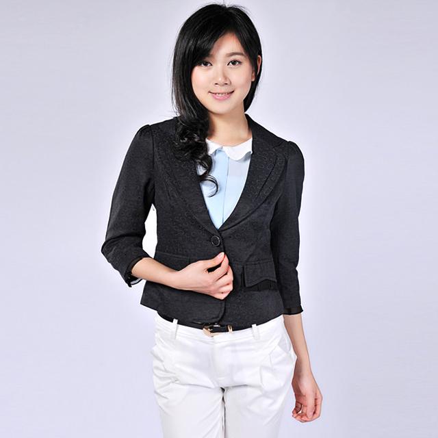 艾莲达(AILANDA) 淑女短款西装修身小外套 ACYA0282