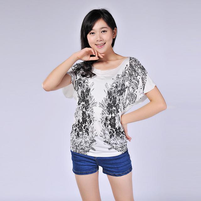 艾莲达(AILANDA) 时尚剪裁花鸟印花收腰蝙蝠针织衫 ABS2328