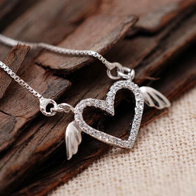 爱亿生 925纯银群镶水钻心形翅膀套链